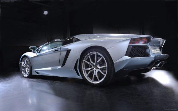 Lamborghini-Aventador