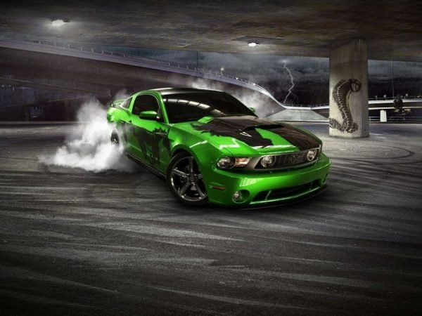 Ford-Mustang-Drifting
