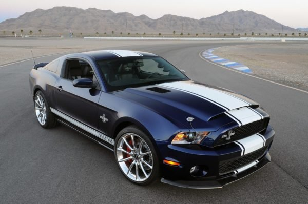 2011-Ford-Mustang-Shelby-GT500