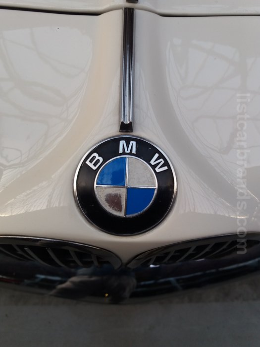 bmw motorcycle logo meaning and history symbol bmw - 525×700