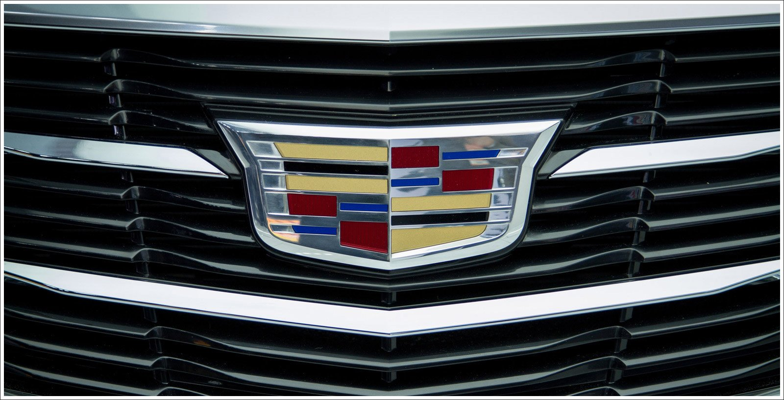 cadillac logo meaning and history latest models world cars brands. Black Bedroom Furniture Sets. Home Design Ideas