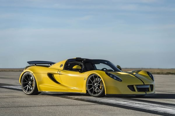 2016 Hennessey Venom GT Spyder 0-60 mph 2.4