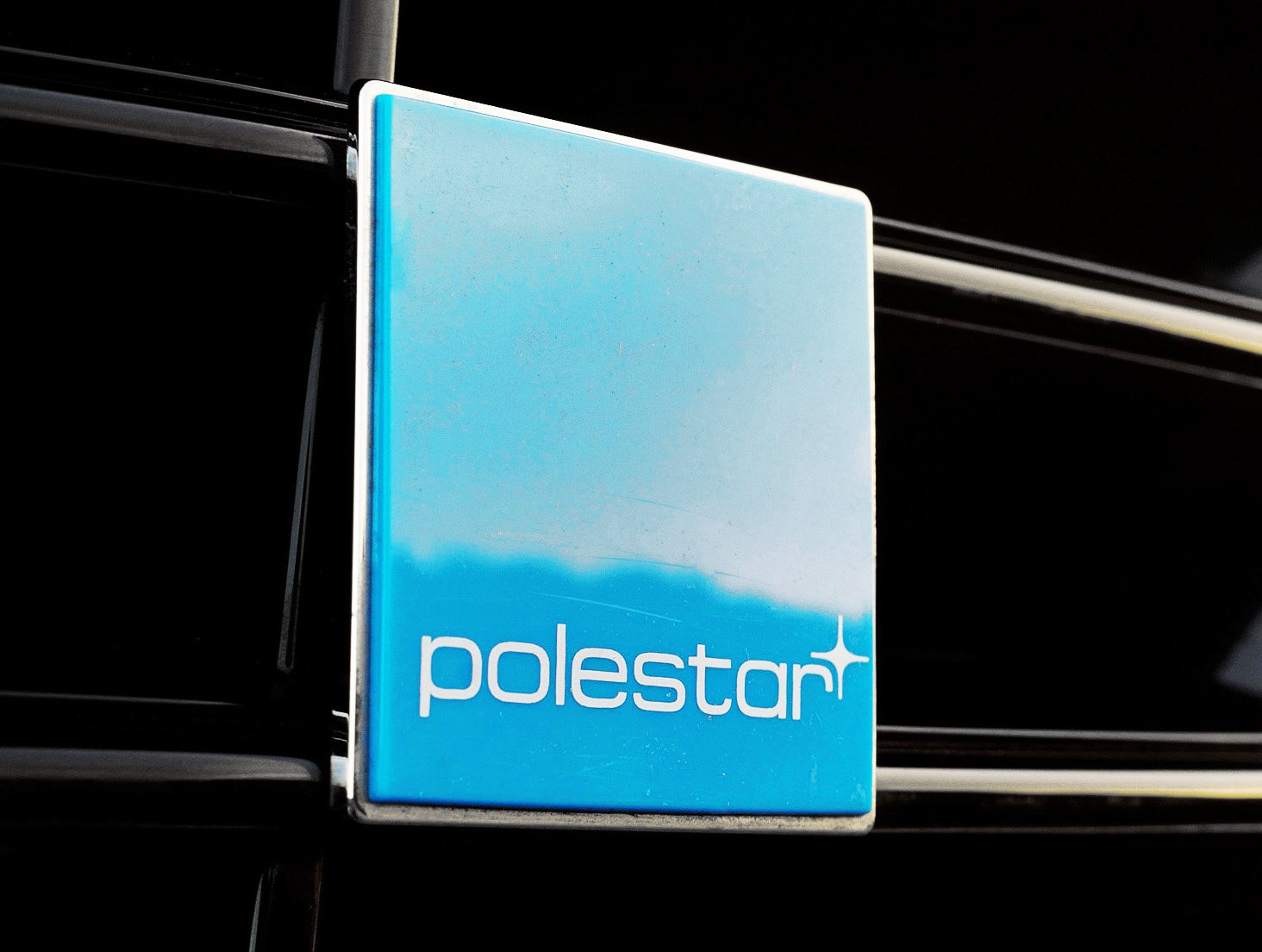 https://listcarbrands.com/wp-content/uploads/2017/10/Polestar-logo-color.jpg