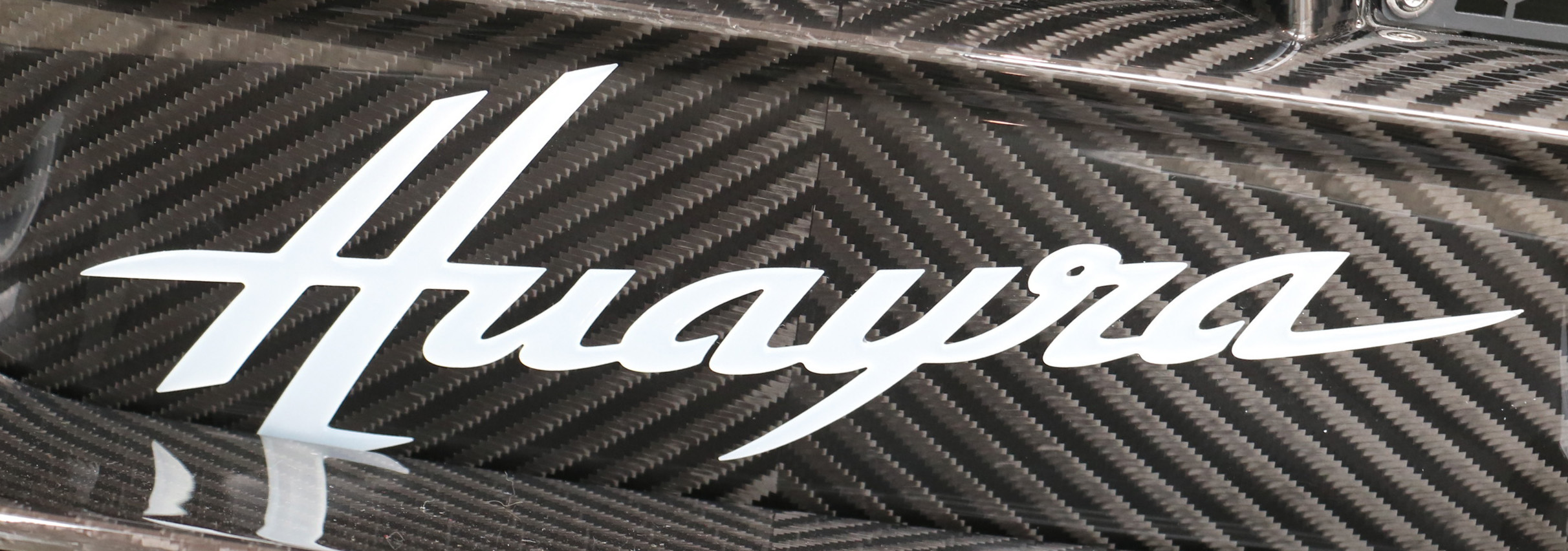 Car Brands Starting With A >> Pagani Logo Meaning and History [Pagani symbol]